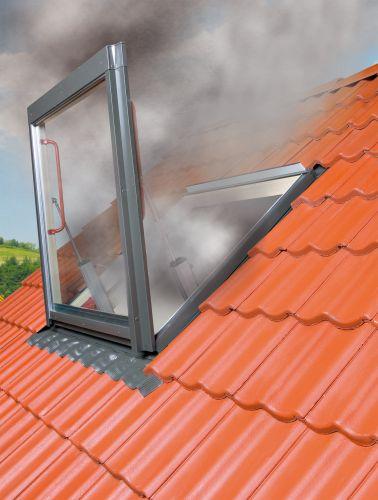 La finestra FSP FAKRO per evacuazione fumi