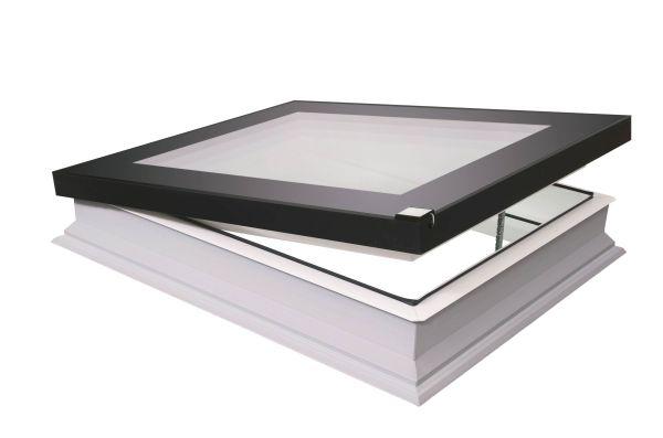 Finestra per tetti piatti FAKRO modello F