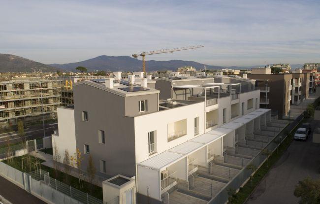 Soluzioni personalizzate Fakro in un intervento di social housing a Prato