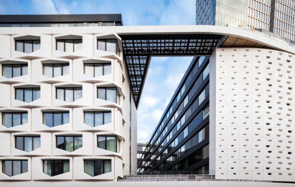 La facciata del nuovo Flare of Frankfurt
