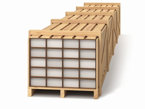 Flex 20 il pallet di legno che contiene 20 cartoni di distanziatori Thermix in diversi formati e colori