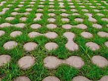 Lunix pavimentazione drenante di design. 57% superficie verde