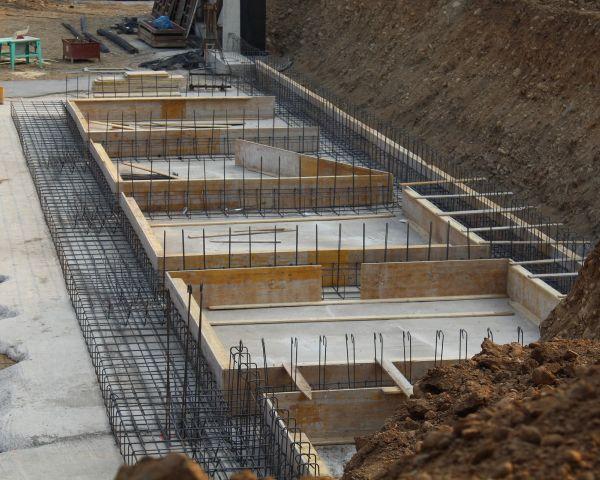 Il rapporto tra edificio e terreno: garantire sicurezza, comfort e igiene