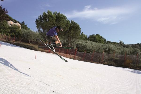 GEOSKI, superficie sintetica per sciare