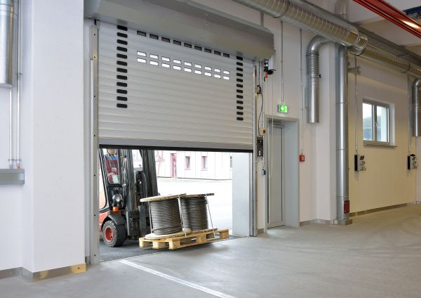 La serranda avvolgibile DD S6 di Hörmann per la Centrale Elettrica GKS Schweinfurt