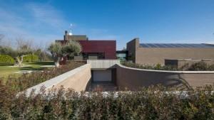 Luminosità e trasparenza caratterizzano una villa recentemente realizzata lungo la costa abruzzese