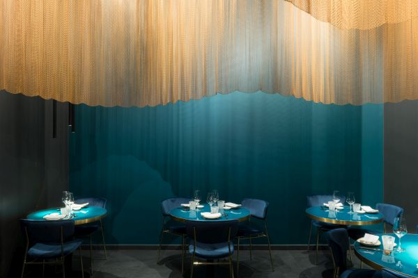 Illuminazione Linea Light Group il ristorante Nishiki a Milano