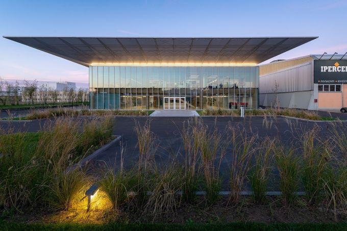 Nuovo Headquarter di Iperceramica by Mario Cucinella Architects