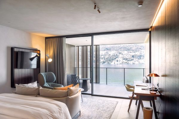 Vista sul lago da una stanza dell'Hotel Il Sereno, Torno, Como