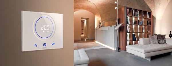 """KNX-System con modalità di funzionamento """"hotel"""""""