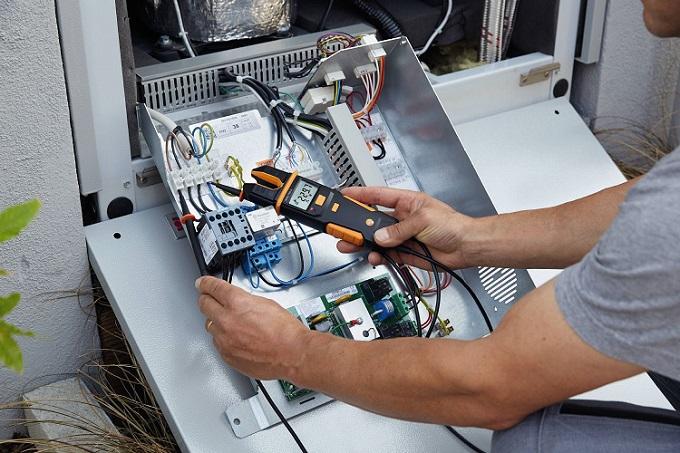 Tester di corrente/tensione fino a 1000V testo 755-2