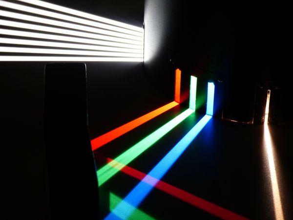 IMMAGINE 2 _ Spettro di luce