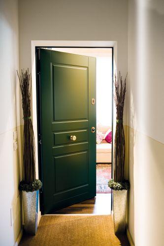 In tra porte d 39 ingresso blindate per appartamento for Arredamenti per ingresso appartamento