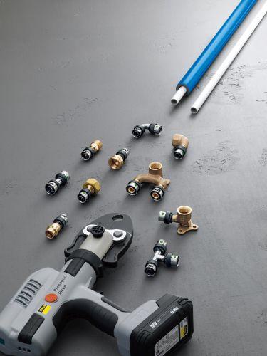 Viega Smartpress: Sistema di tubi polimerici e raccordi di acciaio inossidabile e bronzo