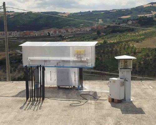 interferometro di  monitoraggio per il terremoti