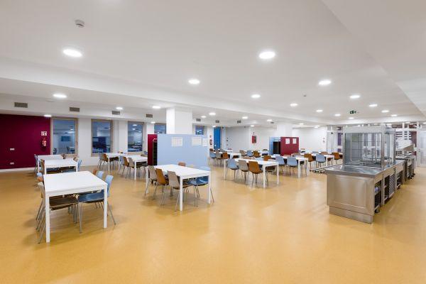 KESSEL per la mensa della scuola media Albert Schweitzer di Bolzano