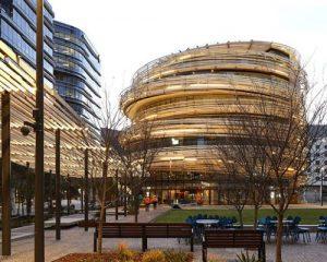 The Darling Exchange by Kengo Kuma: la più grande facciata curva in legno d'Australia