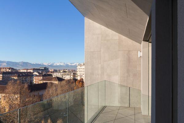 Balconi con il sistema di pavimenti K2 di Keope per Bernini2