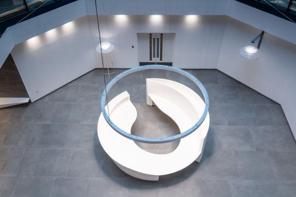 Per il progetto di restyling del Blue Leanie Building è stata scelta la collezione effetto cemento Moov  di Ceramiche Keope