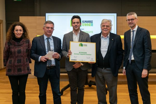 "Vincitore Klimahouse Trend Award 2019: Categoria ABSOLUTE a ECOSISM per ""Geniale Cappotto Sismico"""