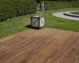 Pavimenti in legno per esterni: il fascino del legno per gli ambienti outdoor