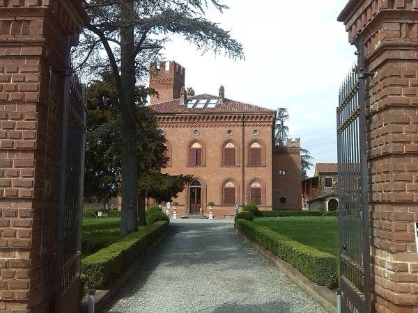 Ingresso Castello di Lajone a Quattrodio