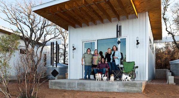 Llano Exit Strategy, 4 micro case realizzate in Texas utilizzando materiali naturali