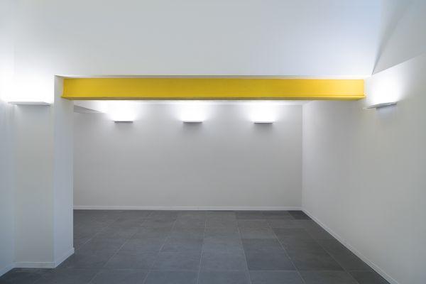 Lampade Gypsum di Linea Light Group per l'Istituto Raffles di Milano