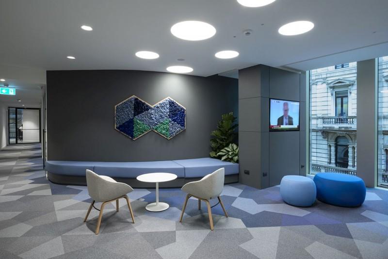 Nuova sede NOW di Oliver Wyman, la moquette a forma di rombo per l'isolamento acustico