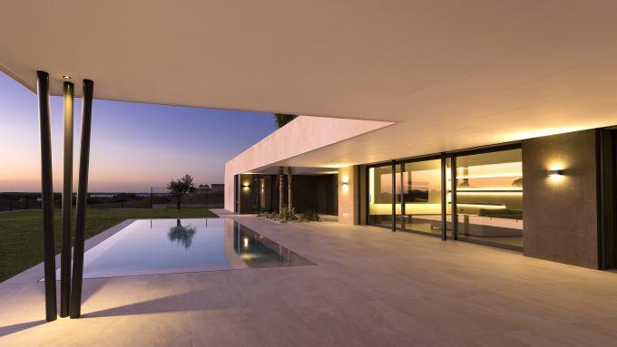 Illuminazione PERFORMANCE IN LIGHTING per  una villa a Sanlúcar de Barrameda in Spagna