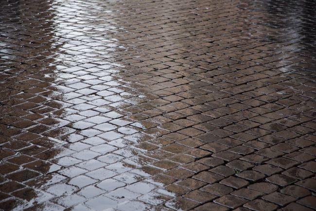 Come scegliere il materiale giusto per i pavimenti per esterni