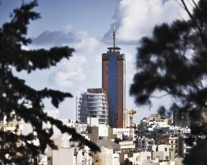 Portomaso Cafè: un edificio a vela tra acciaio e vetro