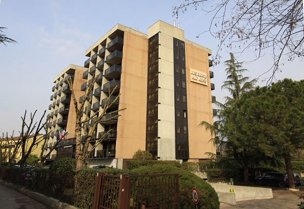 Complesso residenziale sull'Adige