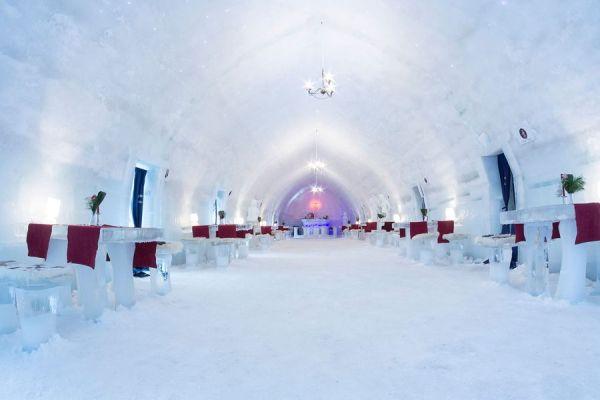 Romania: Ice Hotel sul lago Balea