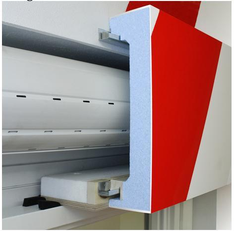 Per risolvere il problema degli spifferi d'aria dei cassonetti, SalvaCaldo è il cassonetto monoblocco finalizzato a contenere i consumi di energia.