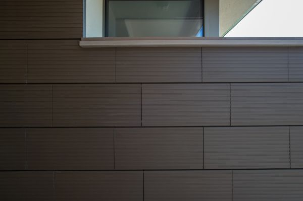 Facciate ventilate realizzate con elementi di terracotta Terreal San Marco serie Zephir