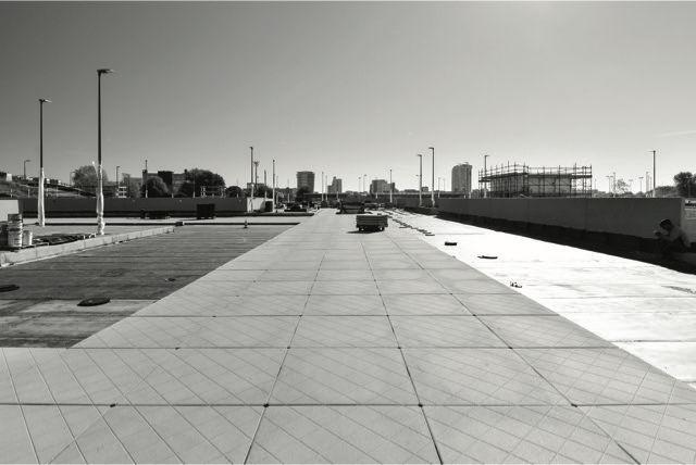 Pavimentazione carrabile galleggiante per il tetto parcheggio della stazione Bisceglie