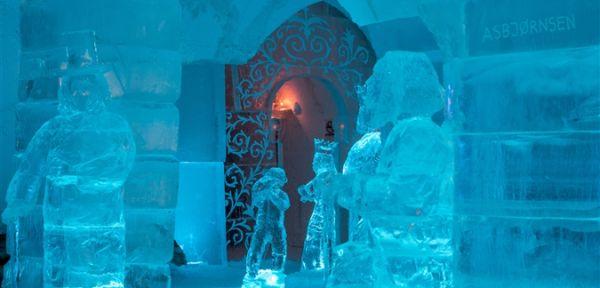 Il Sorrisniva Igloo Hotel tutto di ghiaccio in Norvegia