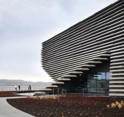 Progetto Victoria & Albert Museum di Dundee by Kengo Kuma ricorda il profilo della scogliera scozzese