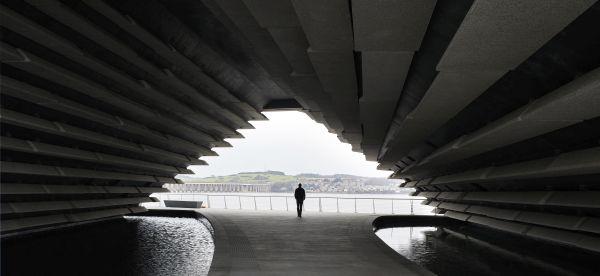 Victoria & Albert Museum di Dundee by Kengo Kuma