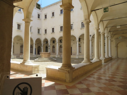 Ex Convento di San Salvador a Venezia messo in vendita dallo Stato