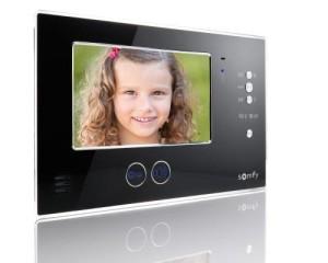 Videocitofono integrato con i sistemi di automazione Somfy 1