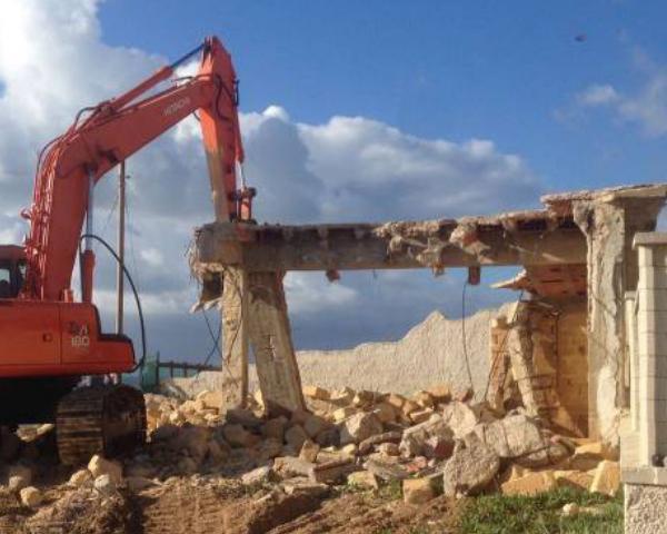 Dossier Legambiente, In Italia non ancora demoliti l'80% degli immobili abusivi