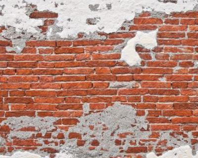L'acqua nemica delle murature: conoscere le cause e risanare l'esistente