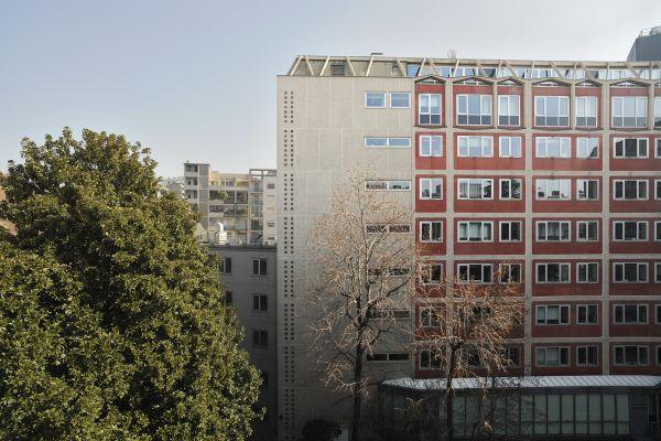 Allianz Milano: Una delle facciate del complesso esistente