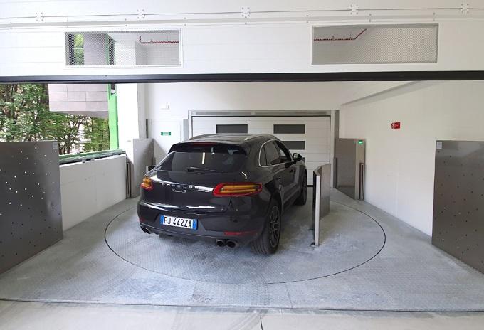 Ascensori per auto girevoli for Progettista di garage virtuale