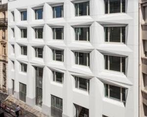 Un complesso residenziale rinnovato e riqualificato a Parigi