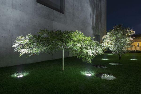 Lo studio SPLD di Stefano Dall'Osso ha firmato il progetto illuminotecnico della Banca Raiffeisen a Stabio