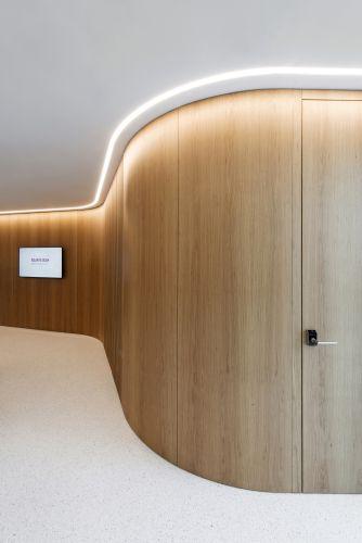 Nuovo progetto illuminotecnico per la Banca Raiffeisen a Stabio firmato dallo Studio SPLD di Stefano Dall'Osso