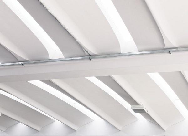 Baraclit Aliant è il tegolo alare specifico per la copertura di grandi ambienti